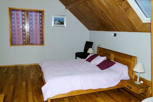 lit-chambre-hote-chambery